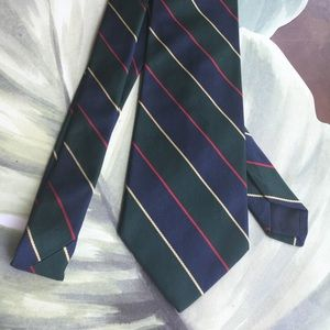 BROOKS BROTHERS MAKERS ALL SILK TIE